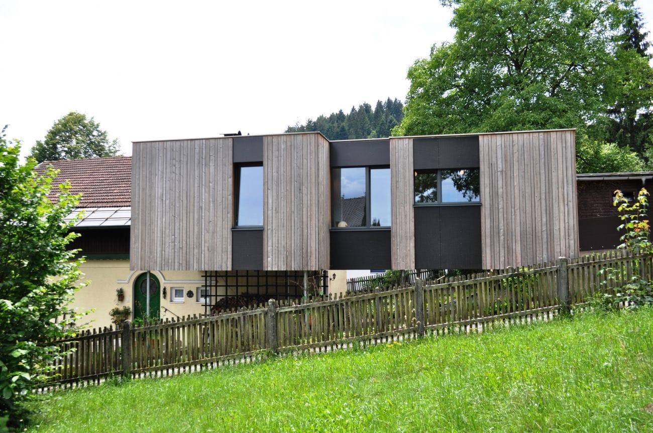 Traumhäuser Ein Holzanbau mit Aussicht 1