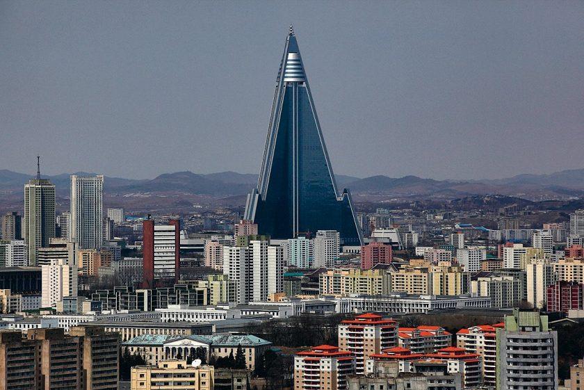 Ryugyong-Hotel, Pjöngjang, Nordkorea (c) Reuters BobbyYip Contrasto