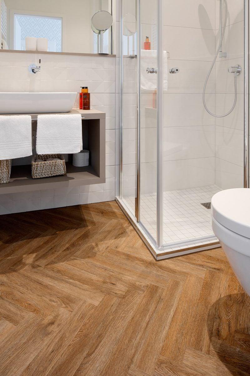 Der Designboden ist für Nassräume gut geeignet.